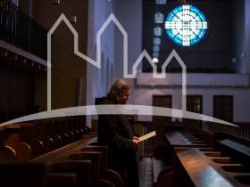 Mönch beim Gebet